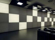 Облицовка стены с подсветкой в Unicredit, Милан (Италия)
