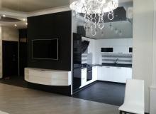 Кухня-столовая с ТВ стенкой
