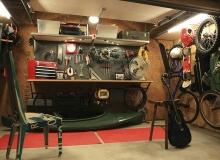 Мужской интерьер гаража