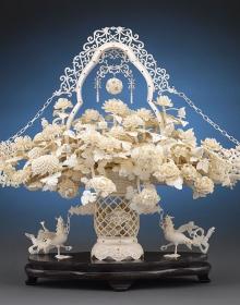 Скульптура из слоновой кости