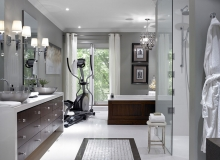 Велотренажер в ванной комнате